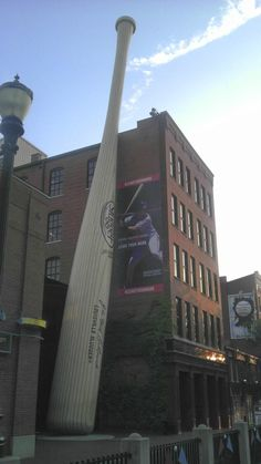 Giant bat (Louisville, KY)