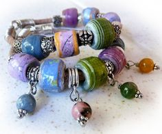 Paper Bead & Leather Bracelet + instructions for making the large beads…