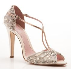 Pretty heels for your big day:)
