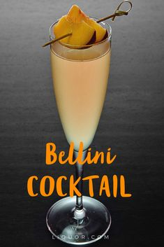 This sparkling peach #cocktail is the perfect #brunch sipper