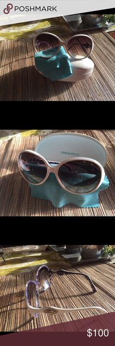 Pucci White Sunglasses EUC. This is a re-posh. So sad they did not look cute on me! Gorgeous blue and purple print on the inside. Comes with dust cloth and case (shown). Will consider reasonable offers, as usual. Emilio Pucci Accessories Sunglasses