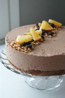 Raakasuklaa-taatelikakku (ei sokeria, rasvaa tai jauhoja) Cheesecakes, Sugar Free, Food And Drink, Pudding, Candy, Baking, Kitchen, Desserts, Recipes