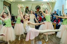 The art show includes a Christmas tree lighting, entertainment by Summers Academy of Dance School of the Berkshire Ballet Theatre, and 4 Strings Attached Martin Lopez.