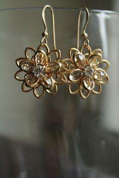 Beautiful Sparkling Swarovski Flower earrings