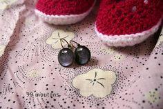 Cadeaux de naissance : boucles d'oreilles et petits chaussons