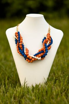 UF Gators Necklace: Come on, Gator Girls, buy one!
