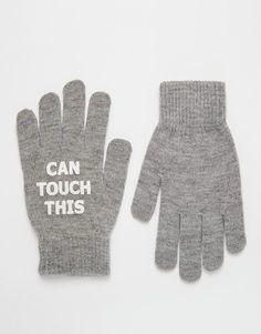 Gants par Monki Tissu stretch doux au toucher Bords côtelés Motif texte imprimé Lavage en machine 53% polyester, 46% acrylique, 1% élasthanne