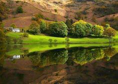 Belo reflexo na água!