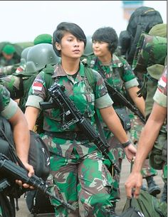Gadis Rupawan: Smile Cute Beautiful Army of Indonesian Army Police, Female Soldier, Military Women, Girls Uniforms, Special Forces, Beautiful Asian Girls, Armed Forces, Cute, Army Girls
