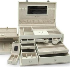 Jewelry Boxes: Buy a Quality Jewelry Box Online Today - Soft White Leather Jewelry Box Trunk with Take Away Travel Cases - Jewellery Boxes, Jewellery Storage, Jewelry Organization, Jewellery Stand, Boho Jewellery, Leather Jewelry Box, Clean Gold Jewelry, Jewelry Quotes, Jewelry Armoire