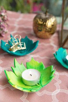 Kreative DIY-Idee zum Selbermachen: Herbstliche Blätter-Teelichthalter aus Fimo einfach selbermachen   Herbst DIY mit Vorlage zum Ausdrucken