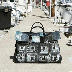 2013년에 소개 되었던 애나백 No.1이  퀼트가방 패키지로 소개된다.  AnnaBag No.1 Upgrade version  Patchwork bag DIY KIT [Big Project]  September. 25. 2017 .  .  .  #퀼트앤돌디자인 #애나스튜디오   #작품판매 #가방디자인 #퀼트가방패키지  #애나백 #애나삭 #퀼트  #퀼트가방 #퀼트백팩 #퀼트배낭    #quiltndolldesign #annastudio #patchwork #quilt #quilting   #bagdesign #annabag #handmadebag