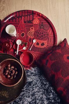 Marimekko Home exhibits unique Finnish design thinking in the heart of Brera during Milan Design Week 2016 Red Design, Design Art, Nordic Home, Milan Design, Christmas Design, Christmas 2016, Marimekko, Vintage Textiles, Bold Prints