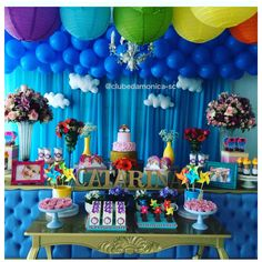 Que linda festa!!! . Produção @clubedamonicasc. . #festainfantil #festamenino #festamenina #kidsparty #festarcoiris #festabalao #festacatavento #festacolorida