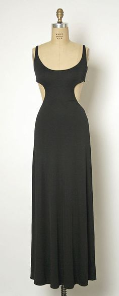 1970 Halston Evening dress Metropolitan Museum of Art, NY See more museum vintage dresses at http://www.vintagefashionandart.com/dresses