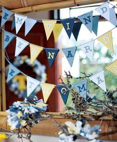 Papel e tecido viraram bandeirinhas personalizadas e deixaram a festa ainda mais bonita.  Ideia da Maria Georgetti, da empresa Faça Festa