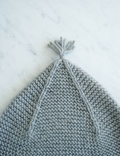 Laura's Loop: Garter Ear Flap Hat - Purl Soho - Knitting Crochet Sewing Embroidery Crafts Patterns and Ideas! Baby Booties Knitting Pattern, Baby Boy Knitting Patterns, Baby Hats Knitting, Knitting For Kids, Knit Patterns, Free Knitting, Knitted Hats, Purl Bee, Flap Hat