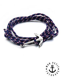 ► ► Bracelet Ancre Marine Pour Homme ou Femme Réglable  Profitez de cette magnifique pièce : un bracelet à base de corde marine, orné de son ancre Marine argentée.  Le nœud est fait de manière à ce que le bracelet soit réglable pour toutes les tailles de poignets.  ____   .Coloris du bracelet au choix : Bleu ou Noir .CORDE SOLIDE type navigation - marin .Ancre Couleur Argent en ACIER INOXYDABLE, sélectionnée par nos soins, sans aucune inscription : coup de cœur assuré. .Taille adaptable…
