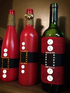 #Recycle those empty wine bottles from Thanksgiving and turn them into #DIY #ChristmasDecorations!