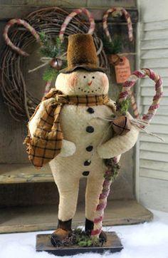 Primitive / Folk Art Pattern Frost T.Canes Vintage looking standing snowman Wow! #NaivePrimitive