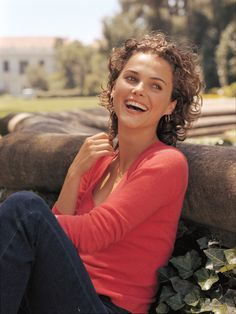 Biography Project, Town And Country Magazine, 90s Tv Shows, Keri Russell, Classic Video, Polo Classic, Press Tour, International Film Festival, Celebs