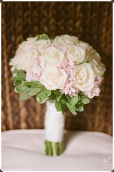 Bridal Bouquet, Ivory and Pink Bouquet, Connecticut Wedding, Robert and Kathleen Photographers, Film Photographers