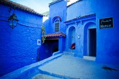 Chefchaouen-MAROKO Home Fashion, Mansions, House Styles, Outdoor Decor, Home Decor, Google, Blue, Mansion Houses, Homemade Home Decor