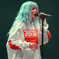 Celebrity Singers, Celebrity Crush, Halsey, Aesthetic Photography Grunge, Taylor Swift Videos, Cute Anime Character, Hollywood Celebrities, Tumblr Girls, Woman Crush