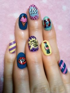 pop art nails-crazy detail