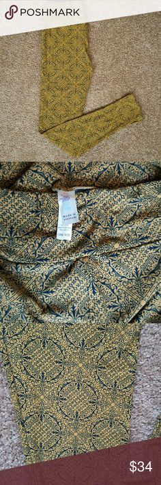 LuLaRoe OS leggings tapestry circles NWT One Size  (2-12) leggings in a luxurious gold and navy tapestry circle designs. LuLaRoe Pants Leggings