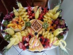 Top Ten Grazing Table to Groom Your Event Nut Cheese, Vegan Cheese, Fruit Cookies, All Fruits, Grazing Tables, Food Challenge, Teller, Balanced Diet, Fruit Salad