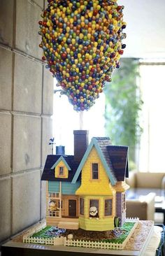 Party idea: Up! movie   #cake #up #movie #themed #themeparty #birthday #children