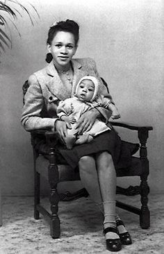 Early 1940s: Baby Jimi Hendrix and his mother