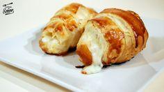 Cruasán salado casero relleno de jamón york y queso
