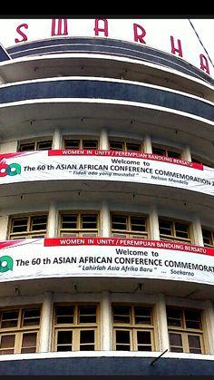 Hotel Swarha di Renovasi (Pengecatan Ulang) oleh Forum Perempuan Bandung Bersatu (FPBB) - Women In Uniy (WIU) jelang Napak Tilas Konferensi Asia Afrika 24 April 2015
