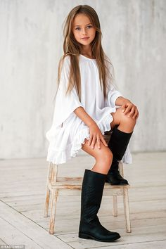 Kristina Pimenova, World's Top Magzines Featuring Young Models Creats Controversy, Eva Ionesco Sues Her Mother Fashion Kids, Fashion Casual, Little Girl Fashion, Preteen Fashion, Fashion 2015, Fashion Styles, Fashion Trends, Latest Fashion, Style Fashion