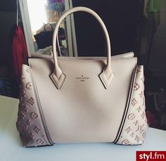 Michael Kors OFF!>> 2019 New Louis Vuitton Handbags Collection for Women Fashion Bags Must have it Gucci, Givenchy, Burberry, Fendi, Sac Speedy Louis Vuitton, Louis Vuitton Handbags, Lv Handbags, Handbags Online, Luxury Handbags