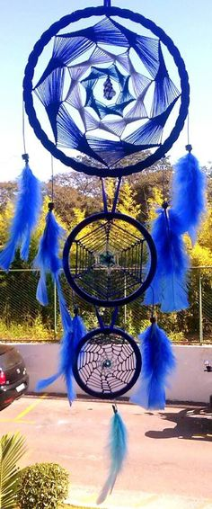 Dream catchers different 3 piece blue Dreams Catcher, Sun Catcher, Los Dreamcatchers, Beautiful Dream Catchers, Diy And Crafts, Arts And Crafts, Dream Catcher Mobile, Crochet Dreamcatcher, Native American Crafts