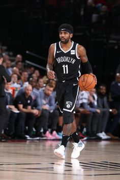 Brooklyn Nets Pictures and Photos - Getty Images Michael Jordan Basketball, Love And Basketball, Basketball Players, Basketball Outfits, Basketball Videos, Irving Wallpapers, Nba Wallpapers, Kyrie Irving Logo, Nba Pictures