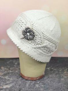 Knitting Patterns Hat Ravelry: Piuma Hat pattern by Heather Zoppetti Lace Knitting, Knit Crochet, Knitting Patterns, Crochet Patterns, Crochet Hats, Knit Hats, Knitting Charts, Hat Patterns, Crochet Doilies