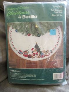 Christmas Tree Skirt Kit Bucilla 32520 Teddy Bears Felt  Applique Embroidery Vtg #Bucilla