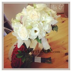 Such pretty, classic bouquets! For the bride and her maid <3 #weddingbouquet #bling