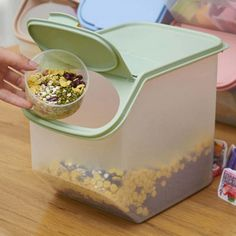Kitchen L/S grain cereal storage sealed cans, extra thick stack-able storage tank refrigerator storage tank,plastic rice barrel Cereal Storage, Fruit Storage, Food Storage Boxes, Easy Storage, Container Prices, Spice Holder, Refrigerator Storage, Snack Box, Food Containers