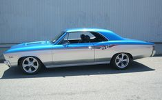 2 tone paint on convertible - Chevelle Tech American Classic Cars, American Muscle Cars, Chevrolet Bel Air, Dodge Charger, Cadillac, Ford Modelo T, Vintage Cars, Antique Cars, Rolls Royce