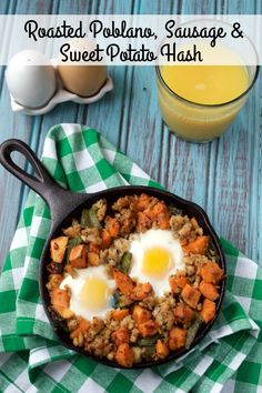 Roasted Poblano Sweet Italian Sausage and Sweet Potato Hash makes the perfect spicy savory and sweet combination for a filling paleo breakfast! Best Gluten Free Recipes, Whole 30 Recipes, Paleo Recipes, Whole Food Recipes, Paleo Ideas, Paleo Food, Yum Food, Detox Recipes, Mexican Recipes