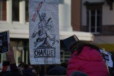 Vercingétorix avec un crayon ! Photos de la marche Je suis Charlie à Clermont-Ferrand dimanche 11 janvier 2015 #jesuischarlie #clermont