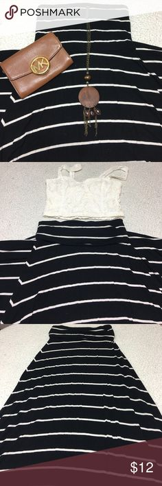 Convertible Maxi Dress Striped maxi dress can be worn two ways. Strapless one piece, or folded down for a two piece look. Versatile, comfortable and fun. Dress it up or down. Mudd Skirts Maxi