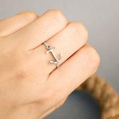 Beautiful and Elegant Anchor Ring! http://beachblissliving.com/beach-resort-jewelry-summer-colors/