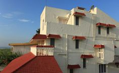 Beach Elegance - Serviced Apartment A very nice place to stay near the beach. 8 fully furnished rooms with AC, TV, Wi-fi. Party hall available. Pls Contact - +919884898802 for bookings.