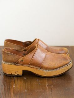 Oxfords, Clogs Shoes, Shoe Boots, Shoe Bag, Wooden Clogs, Walk This Way, Vintage Leather, Fashion Shoes, Women's Fashion